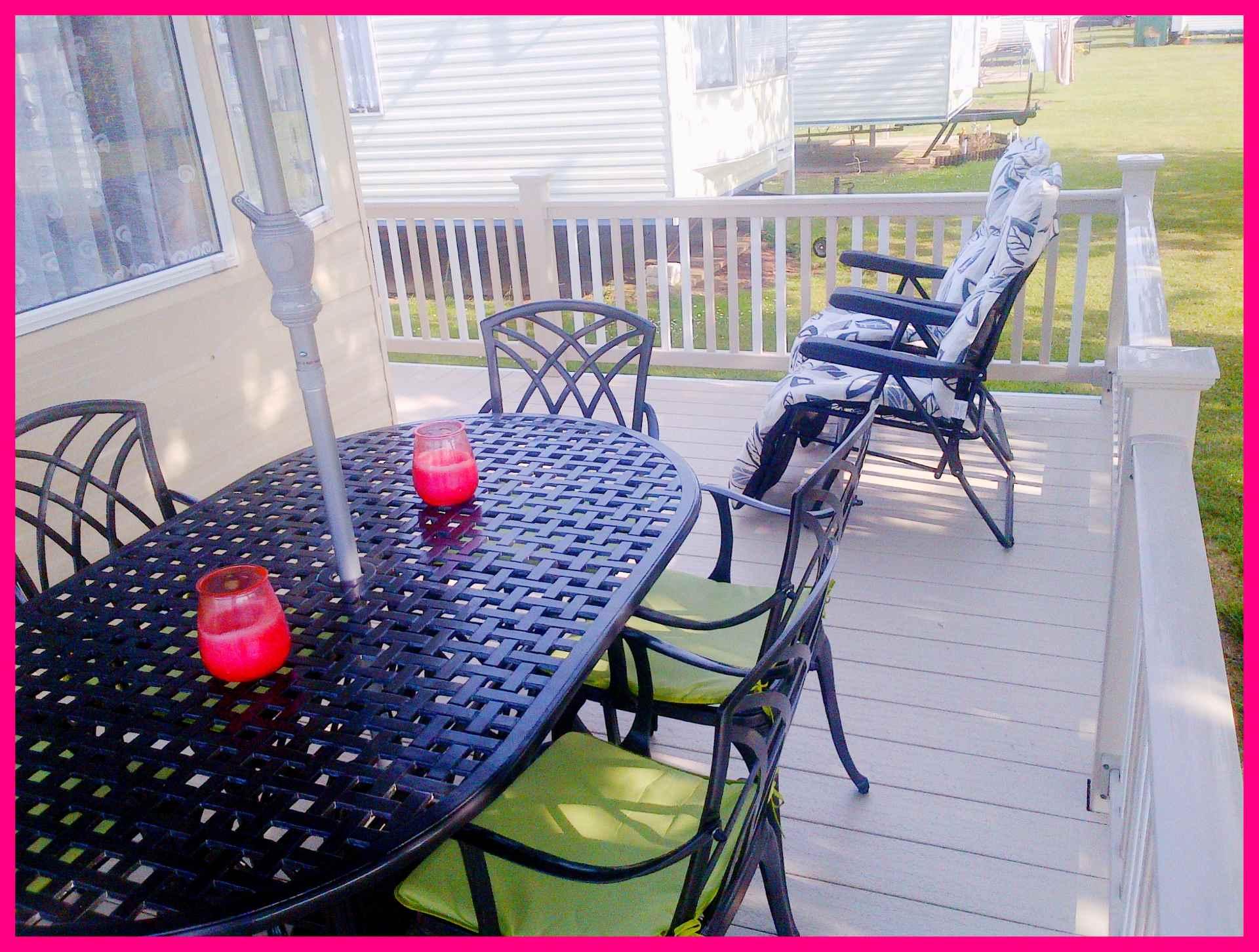 Caravan 356 veranda pic 3